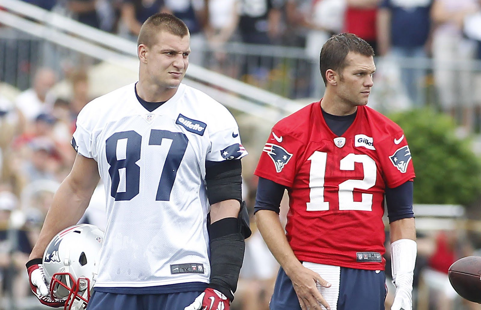 Patriots Life Tom Brady Gronk Are At It Again On Social Media