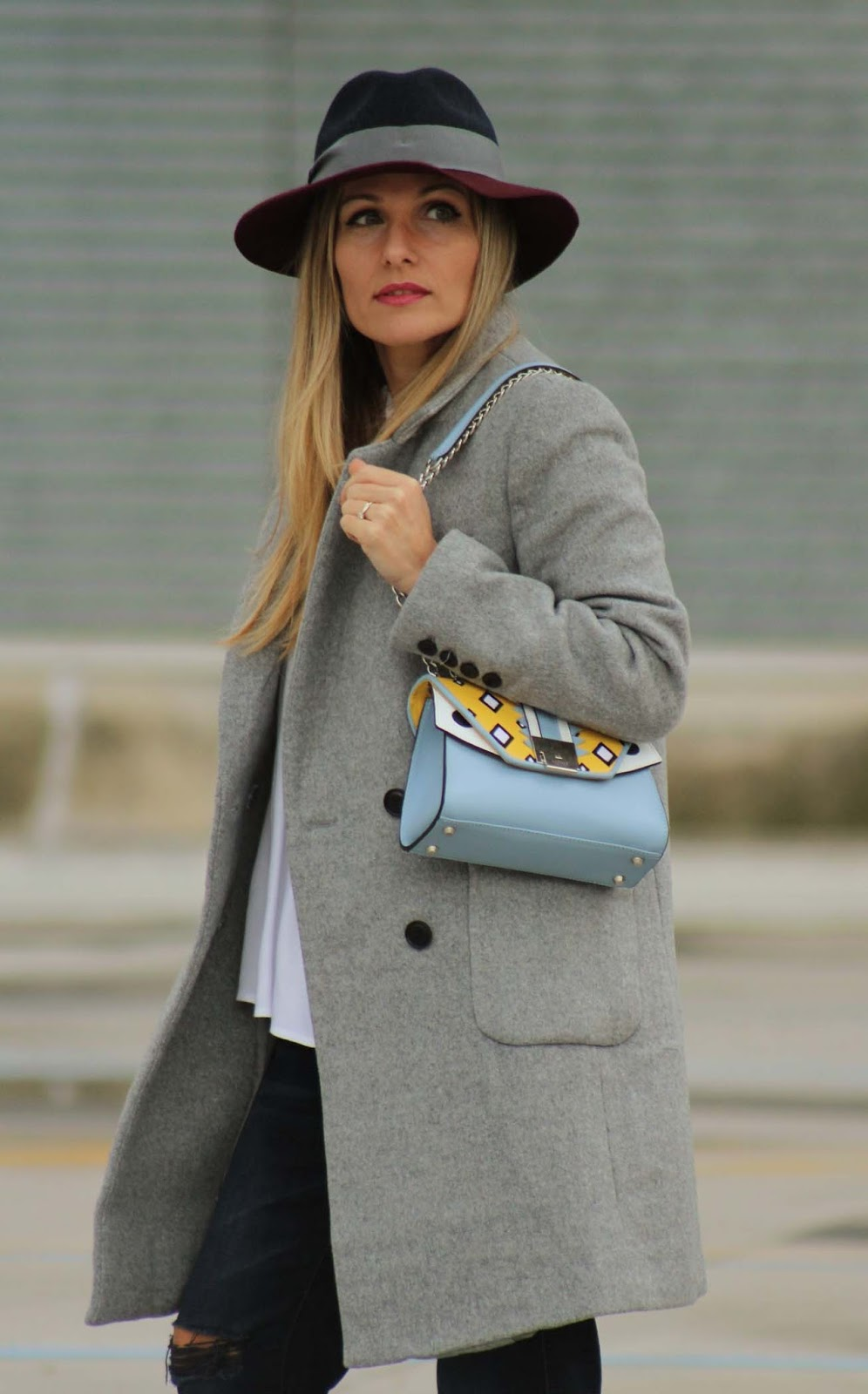 Eniwhere Fashion - Dezzal coat and Jadise Bag