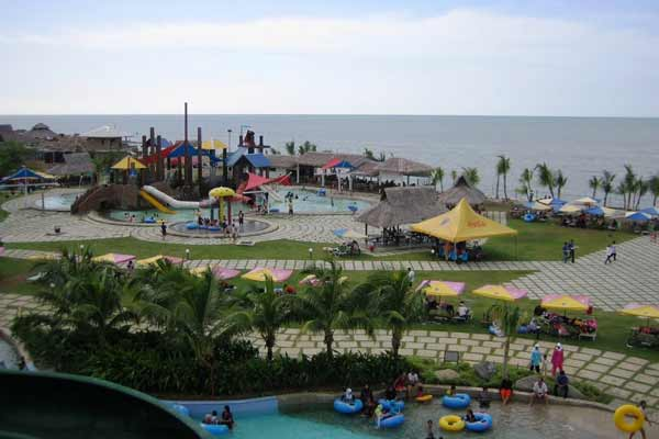 Wisata ke Pantai Cermin, Sumatera Utara