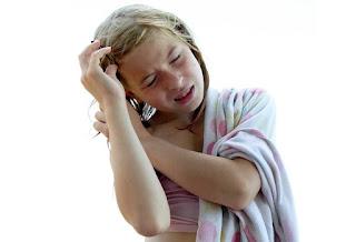 Punca Cara Mengatasi Keguguran Rambut Selepas Bersalin