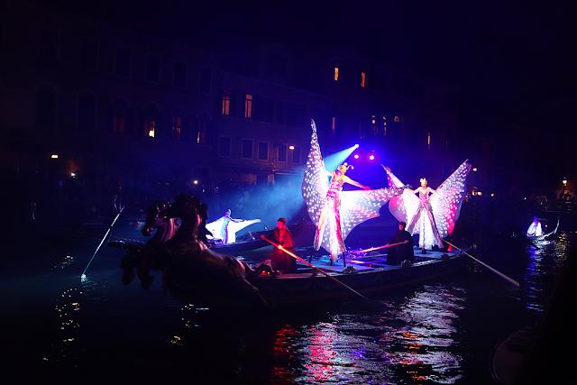 Zahájení Benátského karnevalu na vlastní oči, Benátky, Benátský karneval 2017, vodní průvod, benátky průvodce, kam v Benátkách, co vidět v Benátkách