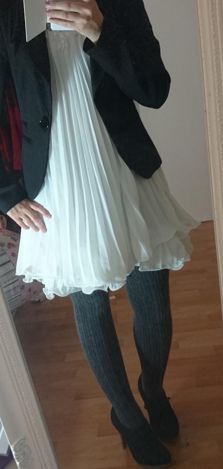Weibes kleid kombinieren herbst