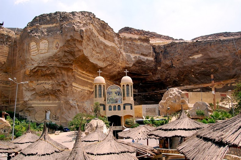 Amazing Egyptian Cave Churches are Carved Out of Solid Rock in Cairo