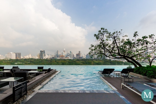 infinity pool of SO Sofitel Bangkok