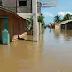Evacúan a todos en Palo Verde; cuatro haitianos fueron rescatados de un árbol