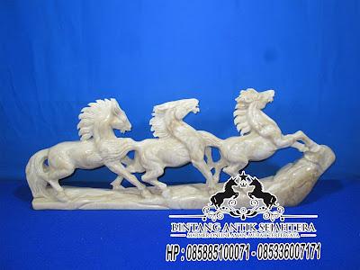 Patung Kuda Onyx