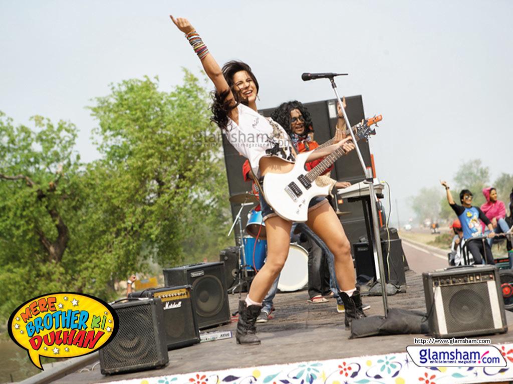 Rinsou Celebrity Katrina Kaif In Mere Brother Ki Dulhan