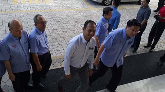 Alhamdulillah, Cikgu Azizan Dibebaskan Mahkamah Dari Sebarang Pertuduhan