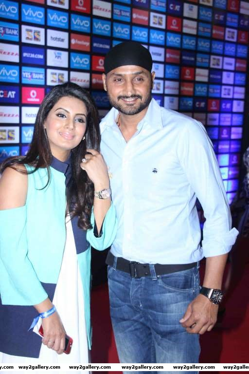 Geeta Basra and Harbhajan Singh were among the celebrities at IPL  opening ceremony