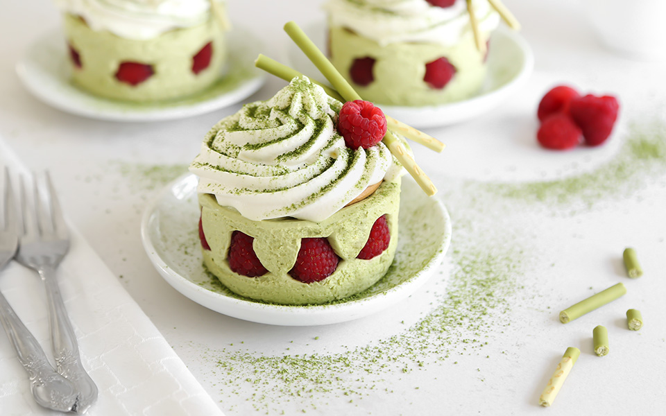 Matcha Chantilly Cakes