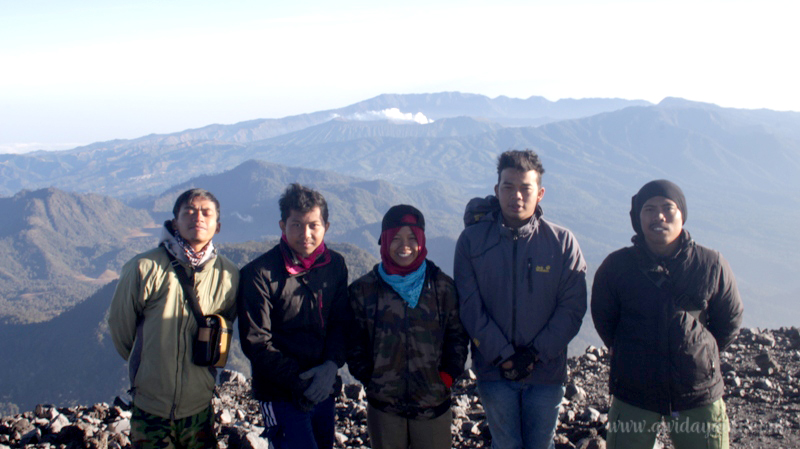 Mahameru Puncak Tertinggi Jawa