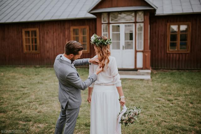 Sesja ślubna w stylu rustykalnym.