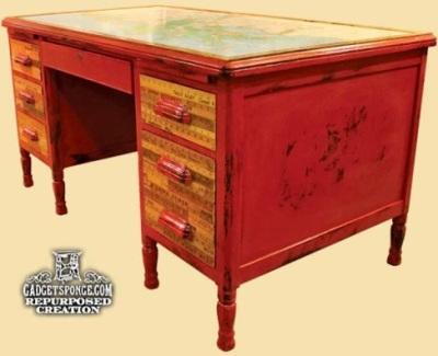 Gunakan penggaris kayu untuk melapisi permukaan laci meja