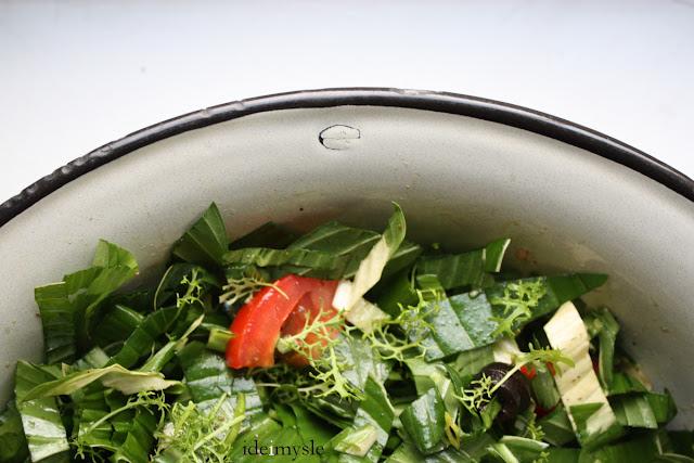 hosta, funkia, wiosenna sałatka, jadalne rośliny ogrodowe, funkia recipe