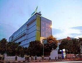 Primebiz Hotel Tegal terletak di pusat kota