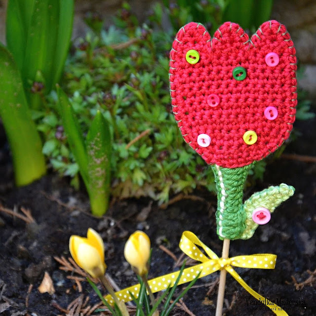 crochet tulip - free pattern by VendulkaM