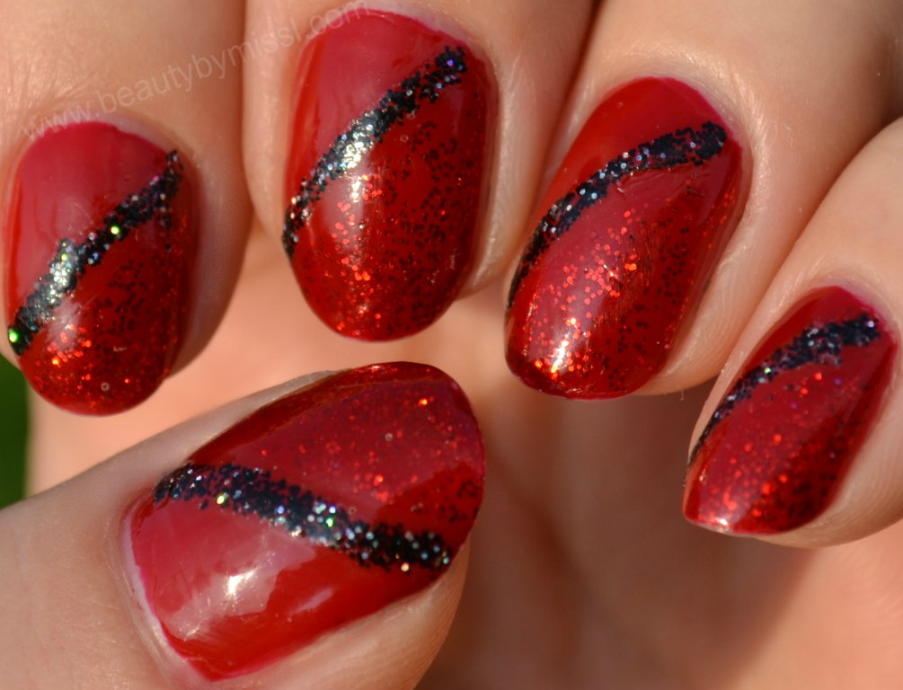 glitter manicure, diagonal french manicure, notd, nails of the day, Christmas manicure, festive manicure