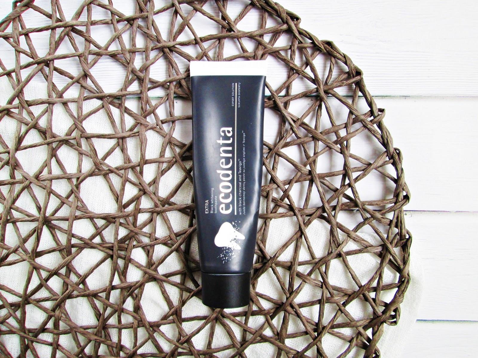 Ecodenta - czarna, wybielająca pasta do zębów z węglem drzewnym