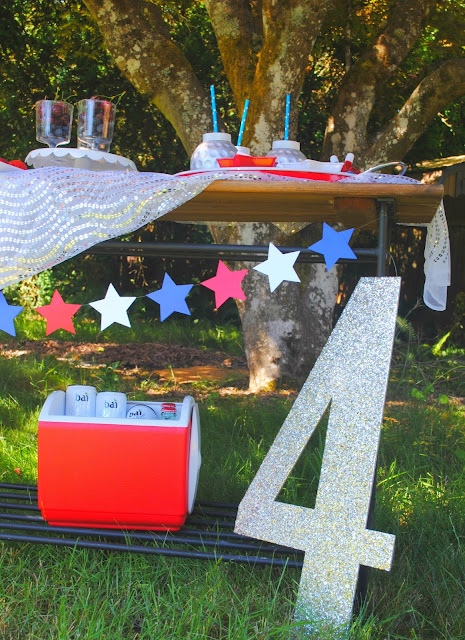 Add a little sparkle to your 4th of July with Fizzy Party