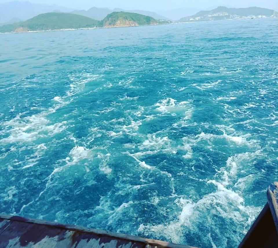 Đi Nha Trang nên mua 1 tour đi chơi các đảo