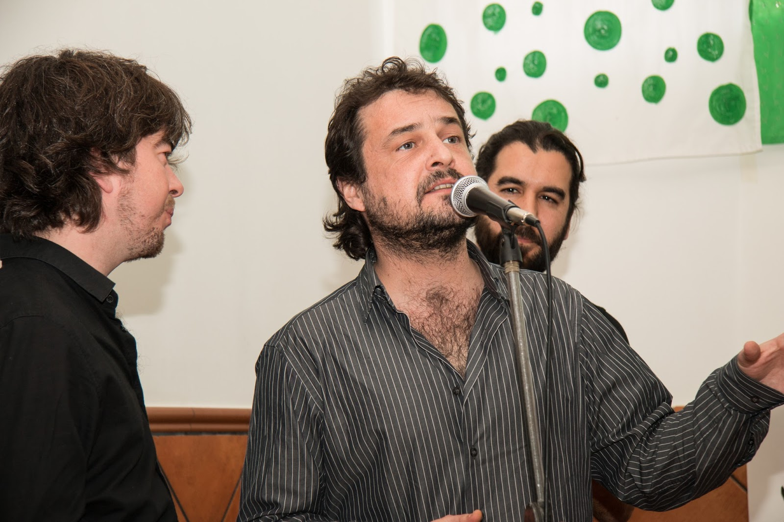 Su mal espanta fotos de palabra flamenca espect culo for Espectaculo artistico de caracter excepcional