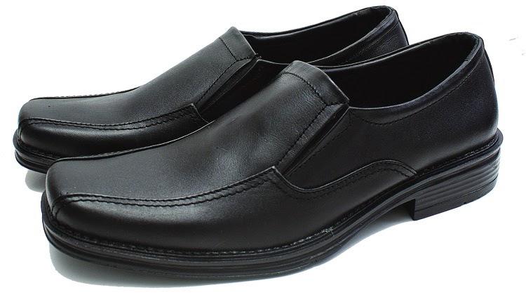 Sepatu Kerja Pria cibaduyut murah, Sepatu Kerja Pria kulit asli, Sepatu Kerja Pria harga murah, gambar sepatu kerja pria trendy
