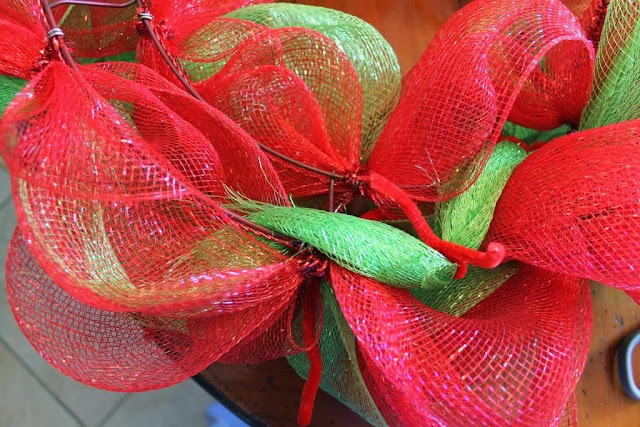 what to do with tail of mesh wreath