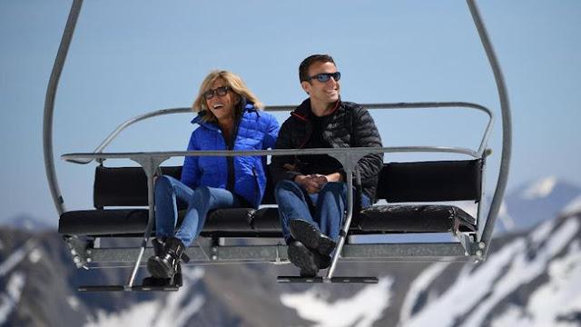 Emmanuel Macron beserta sang istri, Briggite Trogneux. Macron terpilih menjadi Presiden Perancis, Minggu (7/5). updetails.com