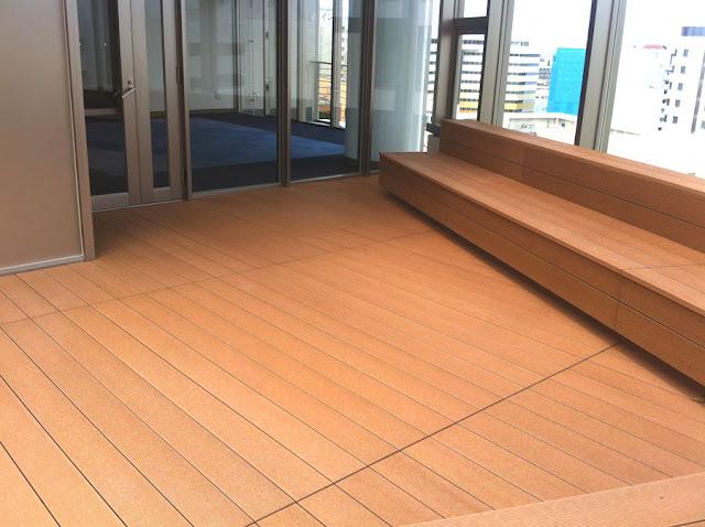 再生木デッキ材の屋上ベンチ施工写真