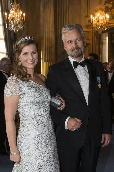 La-princesse-Martha-Louise-de-Norvege-avec-son-mari-Ary-Behn-a-Stockholm-le-30-avril-2016%2B%25282%2529.jpg
