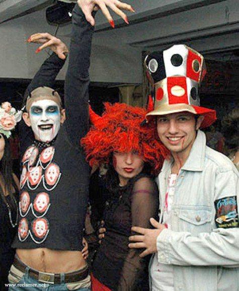 маникюр на Хэллоуин, Halloween, All Hallows' Eve, All Saints' Eve, костюмы зомби, костюмы на Хэллоуин, макияж на Хэллоуин, декор на Хэллоуин, грим на Хэллоуин, фотоидеи макияжа на Хэллоуин, фотоидеи маникюра на Хэллоуин, макияж праздничный, макияж хэллоуинский, костюмы, костюмы карнавальные, костюмы своими руками, костюмы на Хэллоуин своими руками, как сделать костюм зомби, как сделать грим зомби, , про макияж, про костюмы, , образ на Хэллоуин, маникюр для вечеринки, костюмы для Хэллоуина, ведьмы на Хэллоуин, макияж ведьмы на Хэллоуин, макияж клоуна на Хэллоуин, макияж Сахарного Черепа на Хэллоуин, Как стать монстром? Грим и макияж на Хэллоуин