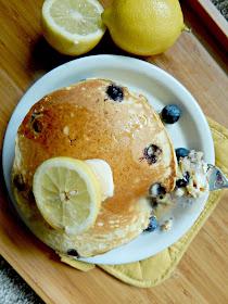 lemon ricotta blueberry pancakes (sweetandsavoryfood.com)