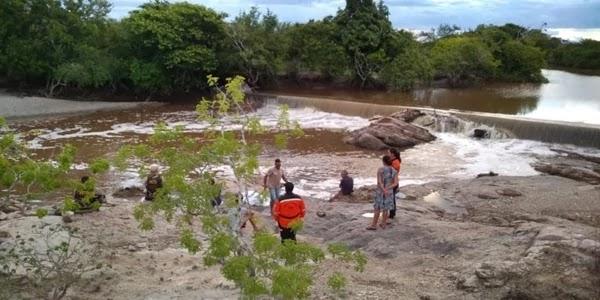 Um homem morreu afogado na tarde desta quarta-feira, 27, quando nadava nas águas do Rio Sacraiú na cidade de Riachão do Jacuípe.
