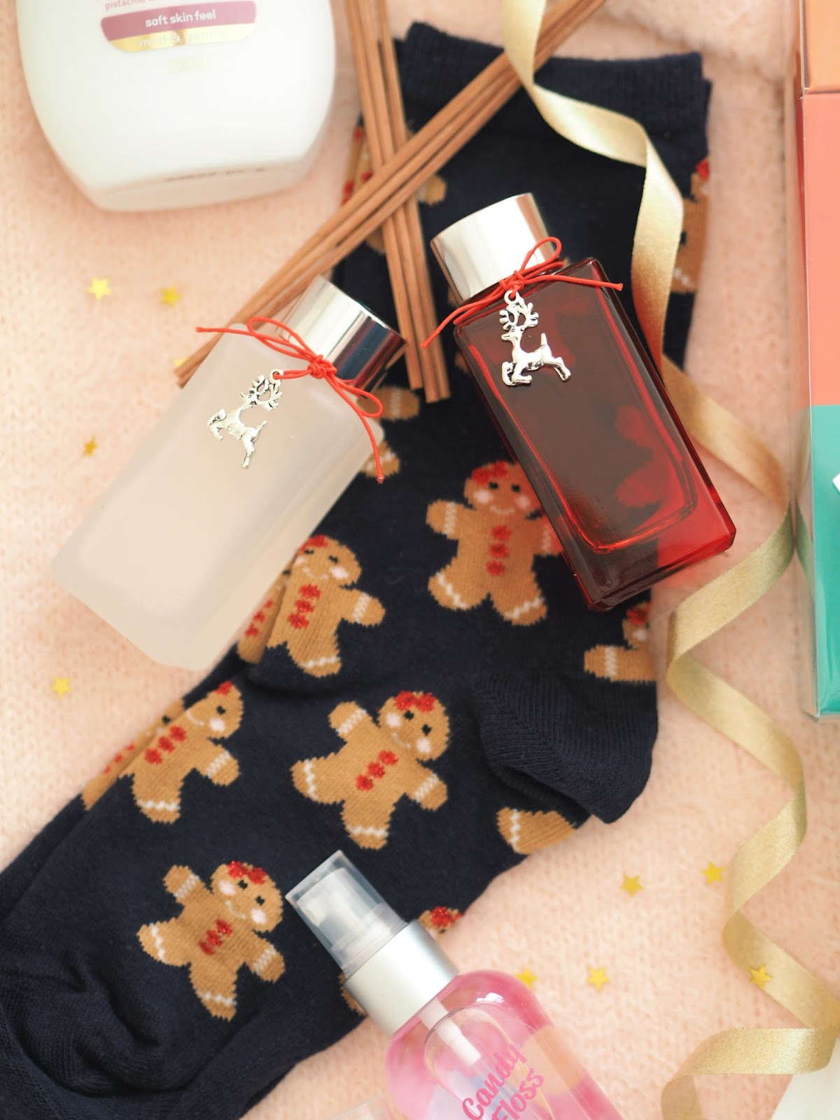 Stocking Filler Gift Guide, Katie Kirk Loves, UK Blogger, Beauty Blogger, Christmas, Christmas Gifts, Gift Guide, Gift Ideas, Beauty Gifts, Lifestyle, Luxury Gifts, Oasis Fashion, Next Gifts, Secret Santa Gifts, The Little Candle Co, So...? Perfume, Christmas Fragrances, Fragranced Gifts, Christmas Scents, Cat Lover, Yumi Clothiing,