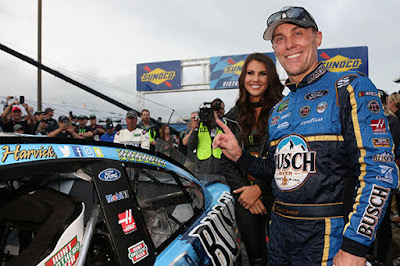 This marked Harvick's 43rd career win and first time in his career to win six races in a season.