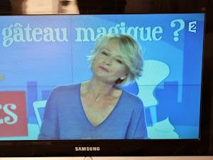 """Le gâteau magique dans """"C'est au programme"""" ! {France 2}"""
