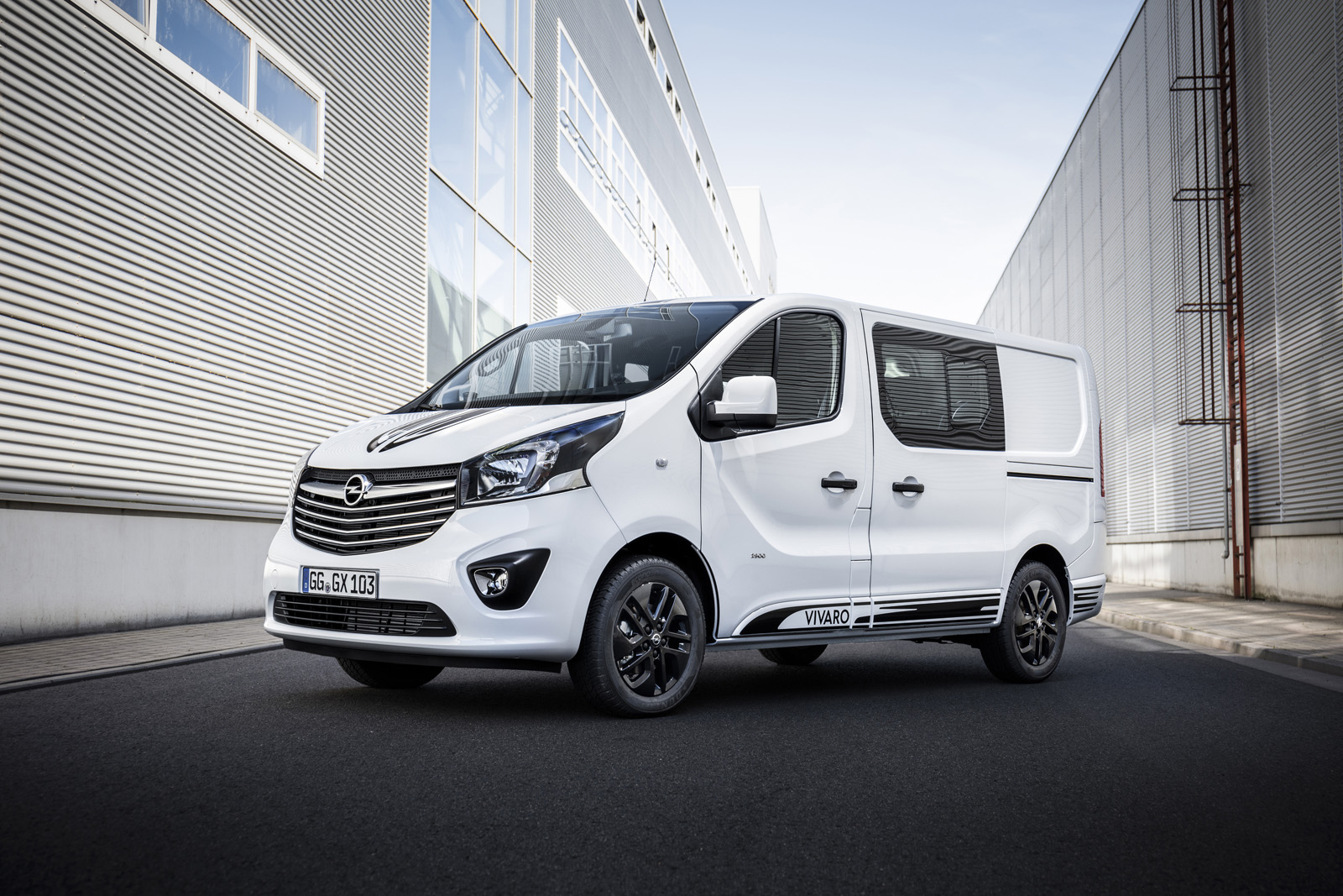opel vivaro sport gives big van a more aggressive look. Black Bedroom Furniture Sets. Home Design Ideas