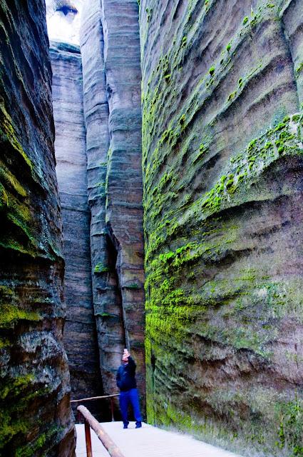 labirynty skalne w Skalnym mieście Adrspach