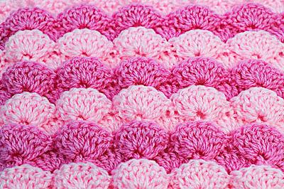 4 -  Foto de punto a abanicos en reliave a crochet. Majovel crochet.