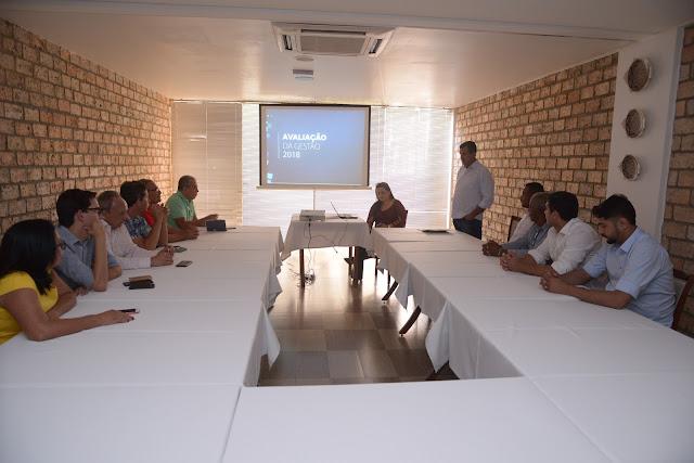 Em reunião com secretários e vereadores, prefeito Zito Barbosa apresenta avaliação da Gestão Municipal
