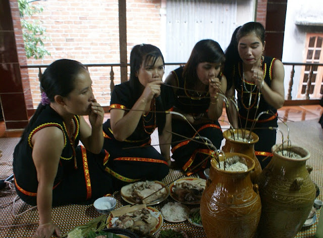 Part 2: Traditional custom of Vietnamese ethnics on Tet holiday 3