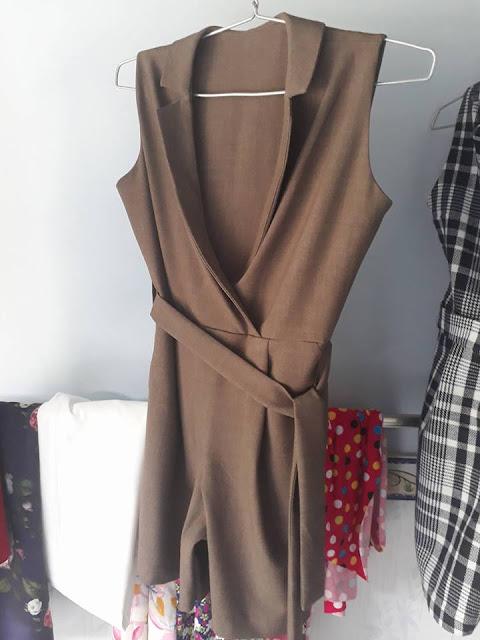 Jumpsuit cao cấp cổ veston có dây nịt - Mẫu 1