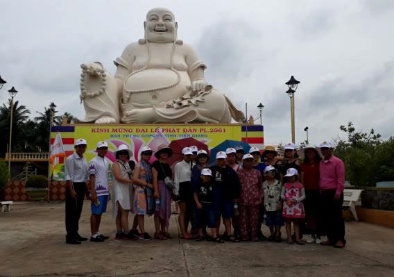 Tượng Phật Di Lăc tại chùa Vĩnh Tràng
