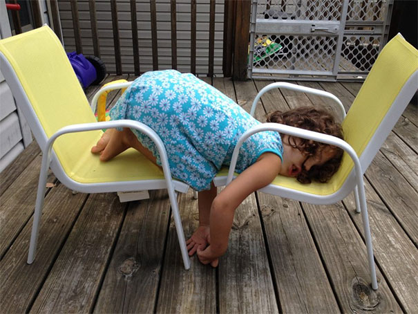 15+ Hilarious Pics That Prove Kids Can Sleep Anywhere - Napping On Two Chairs