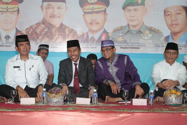 Ishak Mekki Hadiri Tabligh Akbar Indonesia Darurat Narkoba