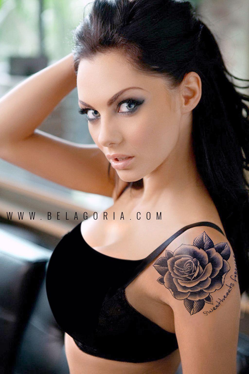 Tatuajes De Rosas Femeninas Que Color Escoger Belagoria La Web