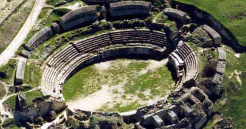 Resultado de imagen de Anfiteatro de Segóbriga.