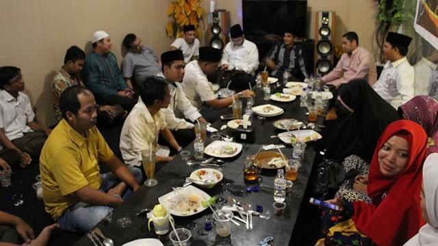 GAMa Riau menggelar diskusi sederhana sekaligus berbuka puasa bersama para pengurus GAMa Riau