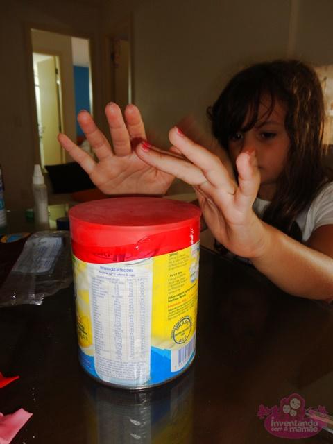 Brinquedos de material reciclado para crianças