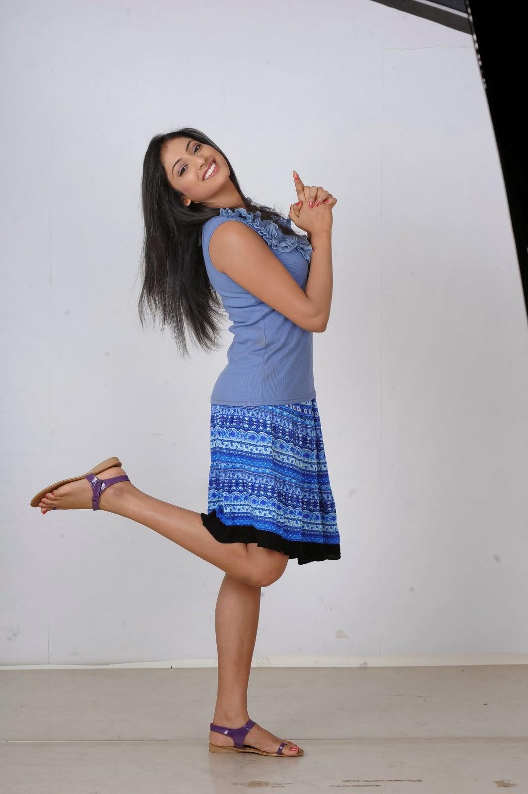 Actress Hari Priya Long Legs Thighs Stills In Blue Dress
